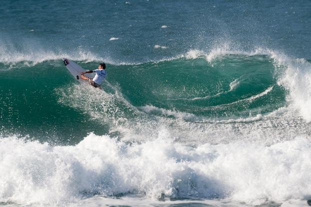 Tomas Hermes, Vans World Cup of Surfing 2011, Sunset Beach, Hawaii. Foto: © ASP / Cestari.