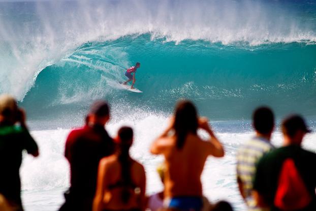 Gabriel Medina, Billabong Pipe Masters 2011, Pipeline, Oahu, Hawaii. Foto: © ASP / Kirstin.