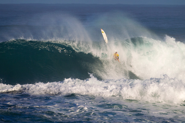 Jamie O'Brien, Raoni Monteiro, Vans World Cup of Surfing 2011, Sunset Beach, Hawaii. Foto: © ASP / Kirstin.