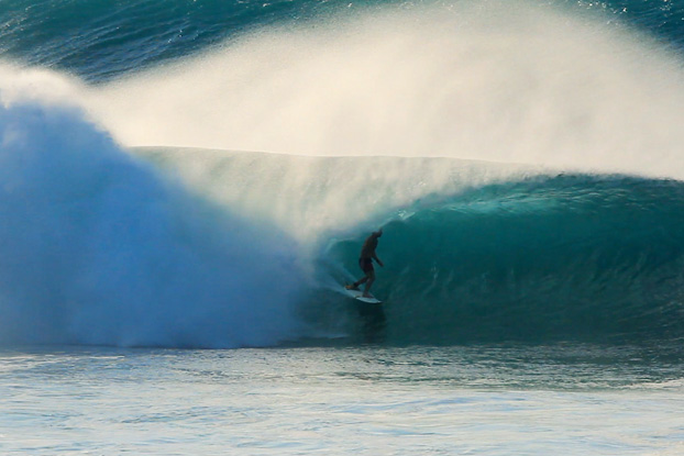 Pipeline, North Shore, Oahu, Hawaii. Frame: Paulo Kid / Soul Collective.