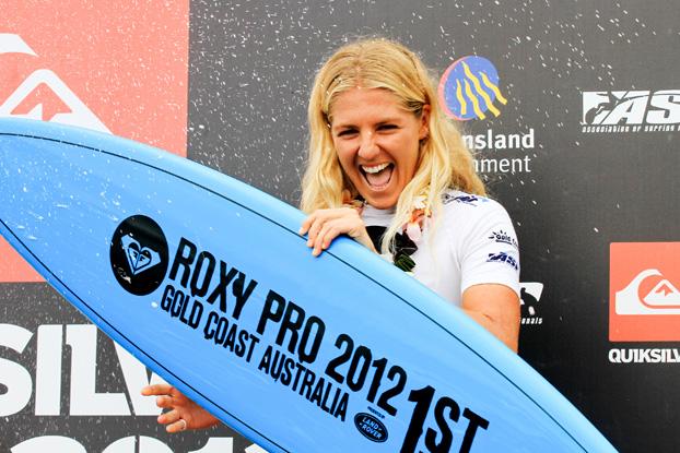 Stephanie Gilmore, Roxy Pro 2012, Snapper Rocks, Gold Coast, Austrália. Foto: © ASP / Robertson.