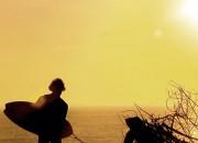 "Canal OFF por Loïc Wirth - ""Caminhos: viagens de surfe. Frame: Loïc Wirth."