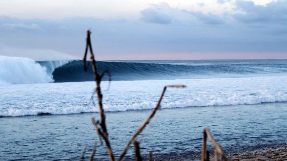 Desert Point, Lombok, Indonésia. Foto: Kaléu Wildner.