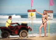 Surfing Swimsuit Issue 2012. Foto: Surfingmagazine.com.
