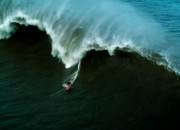 Maya Gabeira, Hawaii. Frame: Wiland Pinsdorf / Canal Off.