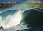 Jamie O'Brien, The Wedge, Newport Beach, Califórnia, EUA. Foto: Jimmy Wilson / Red Bull Media House.