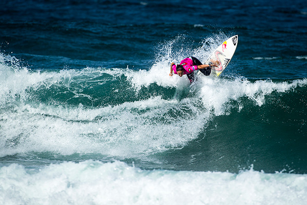 Sally Fitzgibbons, EDP Cascais Girls Pro 2013, Carcavelos, Portugal. Foto: ASP / Poullenot / Aquashot.